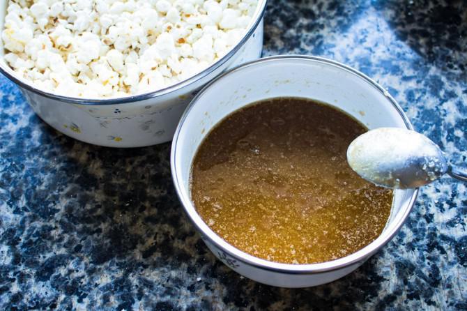 Die Symmetripi Spritzig Schokolade Und Moosbeere Kuchen Mit Popcorn