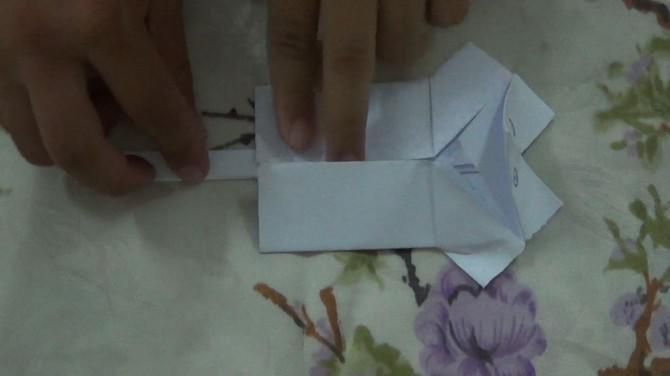 Wie man eine Papierpuppe machen