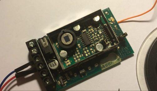 Mit Hilfe eines Schrott gewöhnlichen Haus Alarm PIR mit Arduino