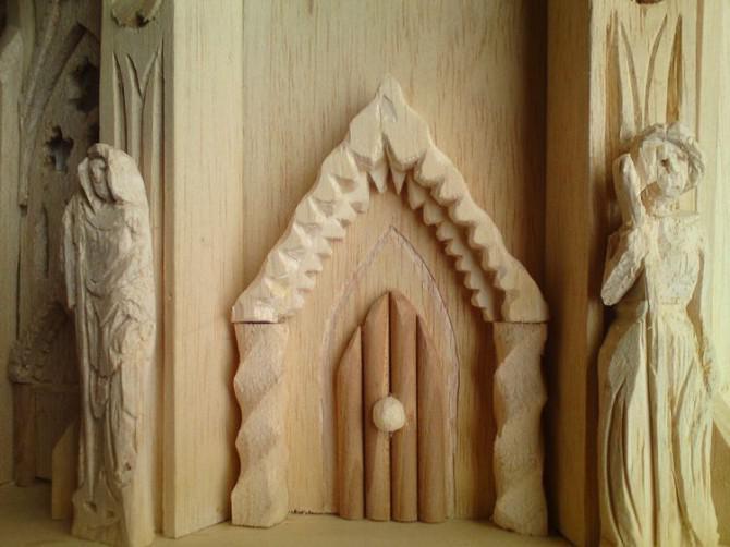 Gothic Birdhouse Design-