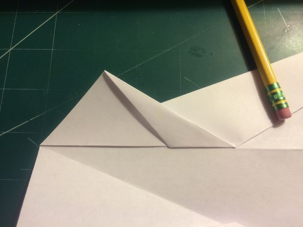 Wie man den Streik Vulcan Paper Airplane