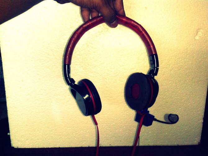 Fügen Sie ein Mic jedem Ohr - Einfache